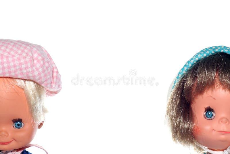 кукла мальчика смотрит на девушку счастливую стоковые фото