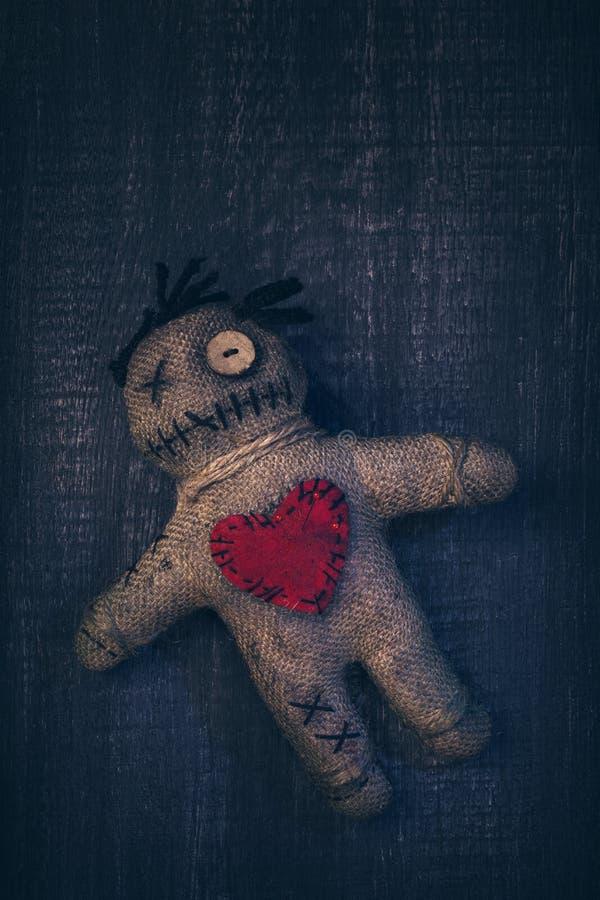 Кукла Voodoo с штырями стоковое фото