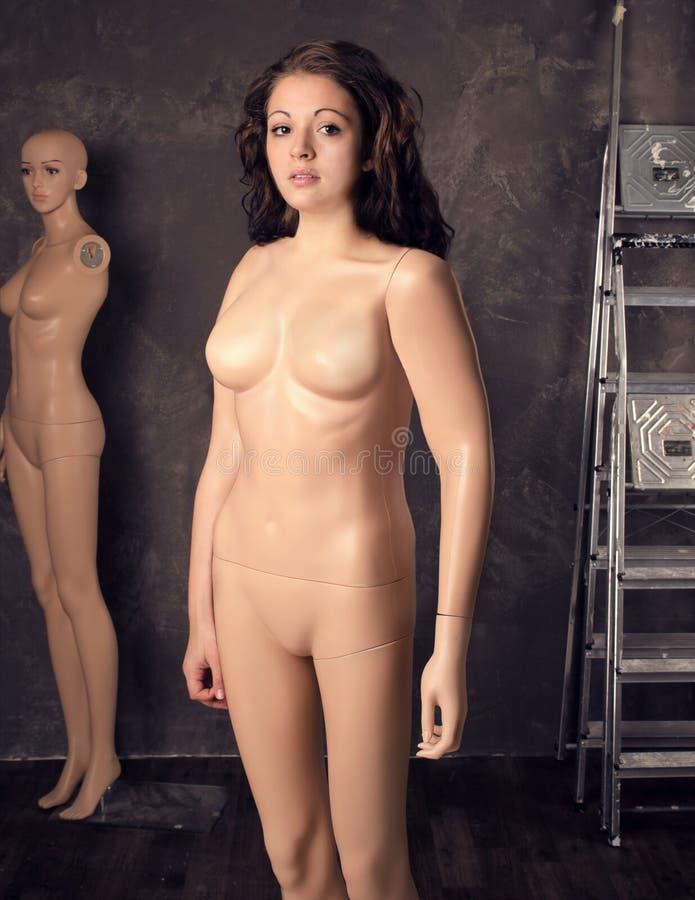 Кукла манекена части молодой женщины, фасонирует концепцию женского тела стоковая фотография rf