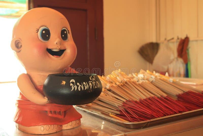 Кукла монаха в Бангкоке, Таиланде стоковая фотография rf