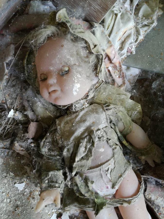 Кукла спать найденная в Чернобыль стоковые изображения rf