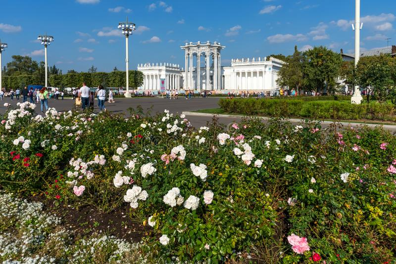 ` Культуры ` павильона 66 в парке VDNKh стоковое фото rf