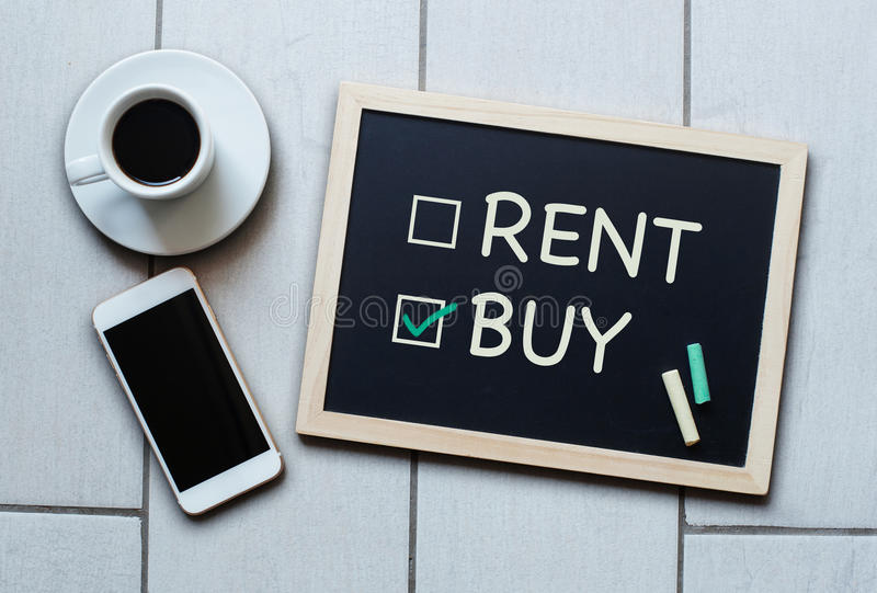 Купите не концепцию классн классного ренты Выбирать покупать над арендовать стоковая фотография rf