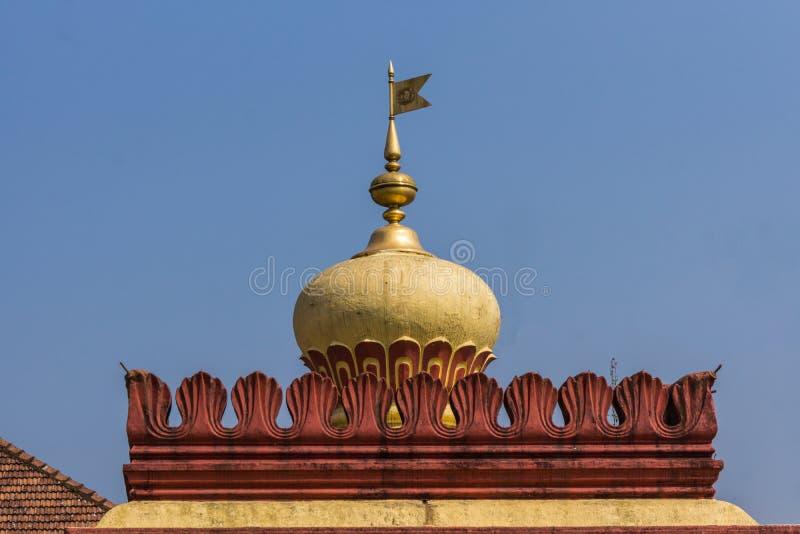 Купол виска Shree Omkareshwara, Madikeri Индии стоковое изображение