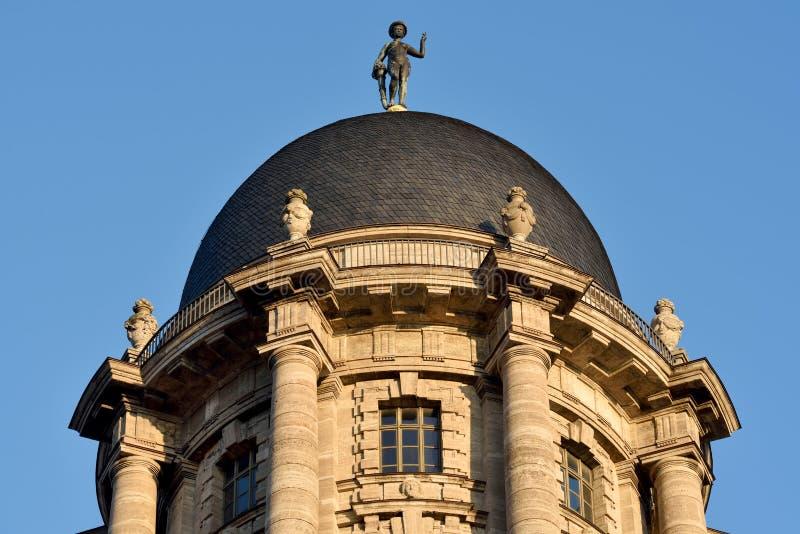 Купол здания городской ратуши Altes Stadthaus старого в Берлине, Германии стоковые фотографии rf
