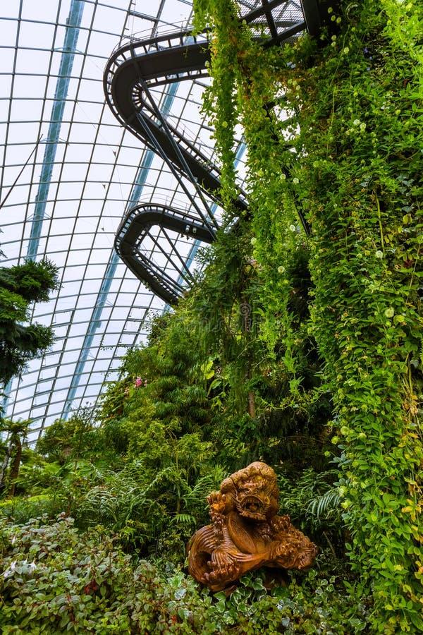 Купол леса облака на садах заливом в Сингапуре стоковые изображения