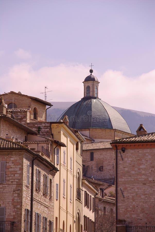 Купол церков в Assisi стоковые изображения