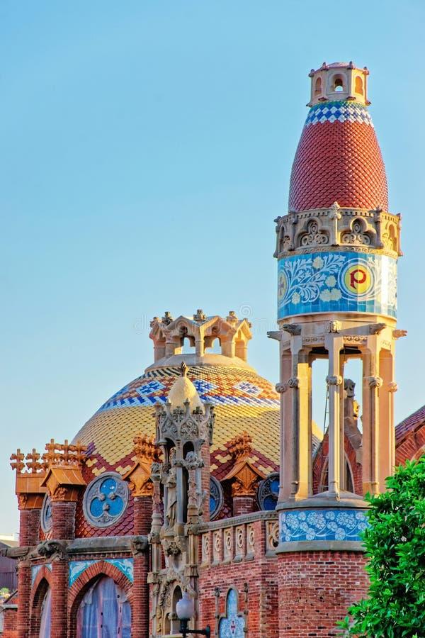 Купол бывшей Больницы de Sant Pau в Барселоне стоковое фото