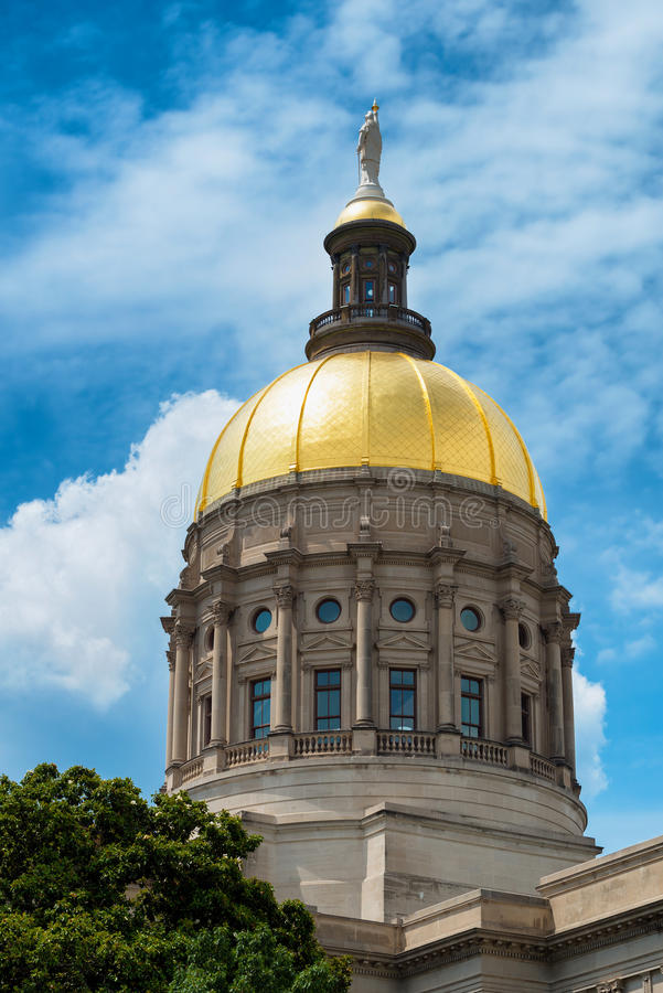 Купол золота капитолия Georgia стоковые фото