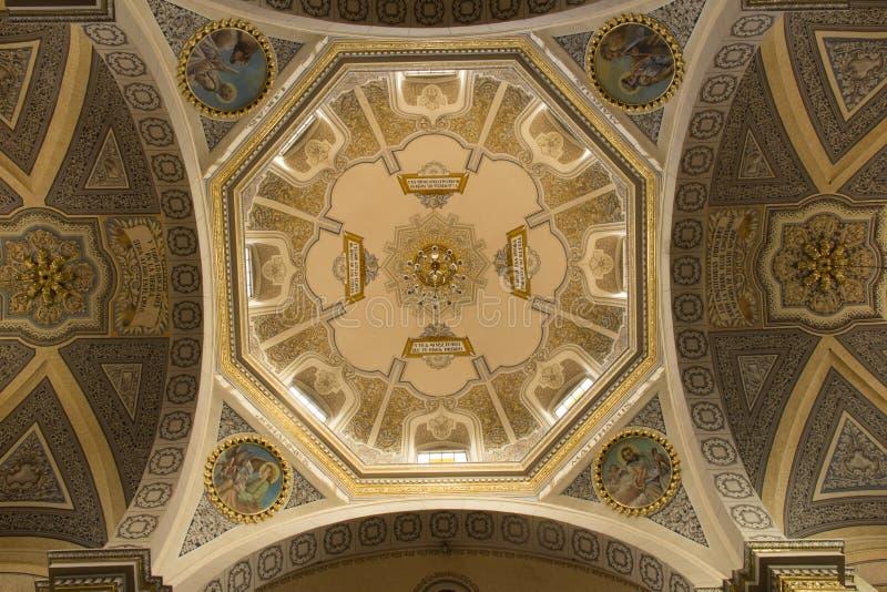 Куполок церков San Pedro стоковая фотография