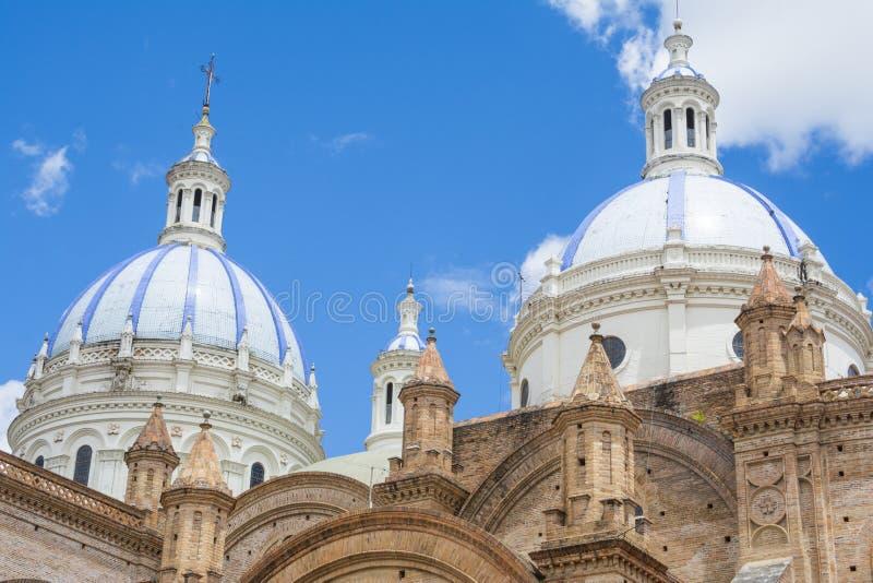 Куполы нового собора Cuenca, эквадора стоковые изображения rf