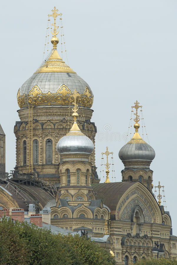 Куполы Санкт-Петербург стоковое изображение rf