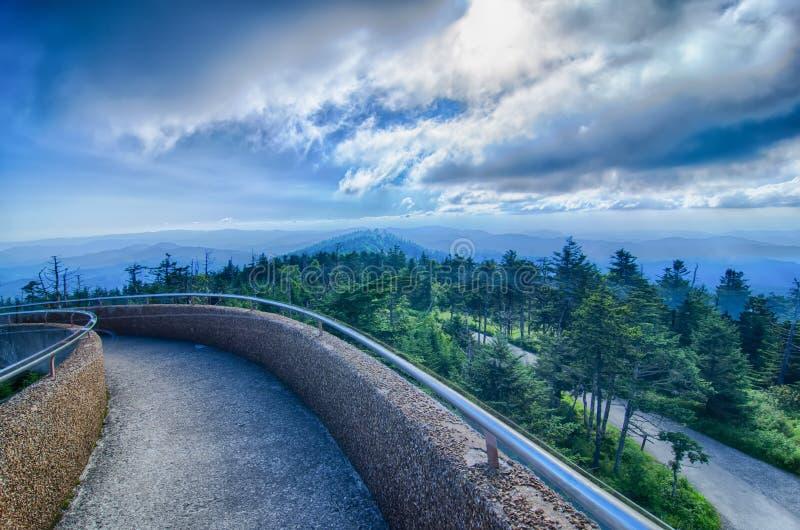 Купол Clingmans - большой национальный парк закоптелых гор стоковые фото