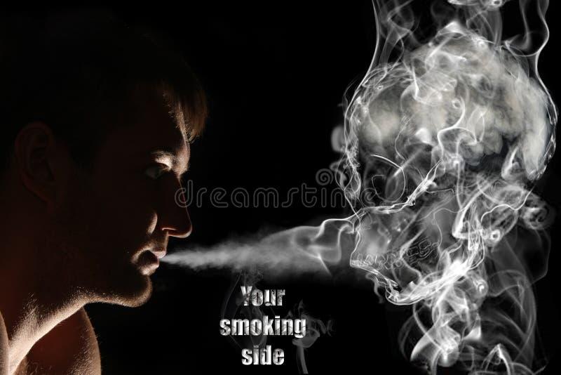 курильщица смерти стоковое изображение
