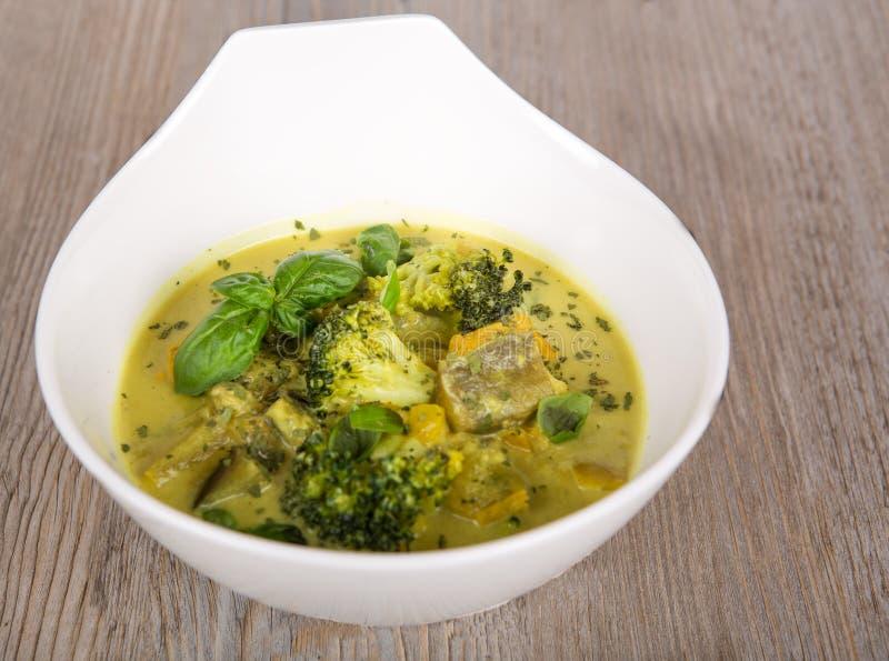 Куриный суп карри зеленого цвета еды Таиланда стоковые фото