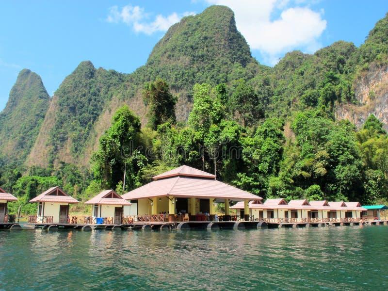 Курорт берега озера стоковые фотографии rf