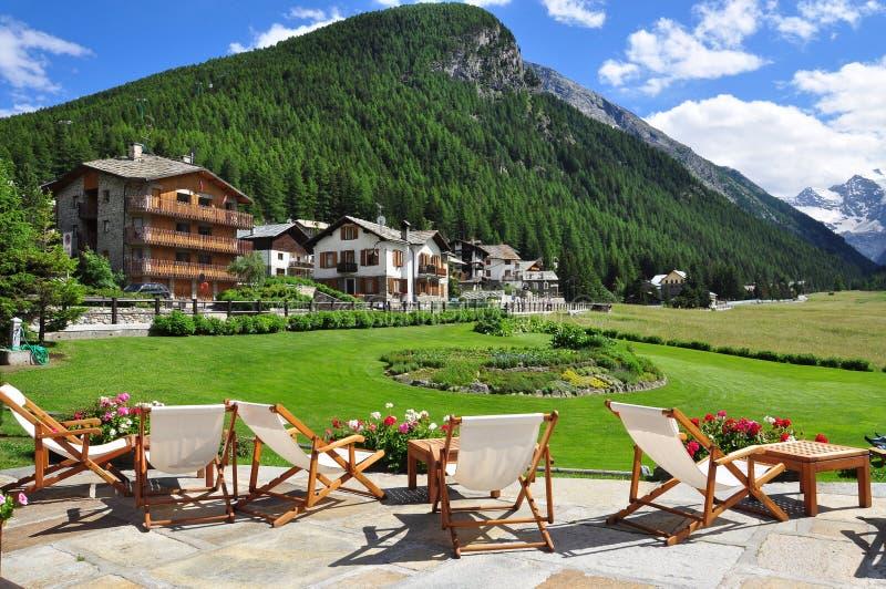 Курорт горы Cogne долина Италии aosta стоковые фотографии rf
