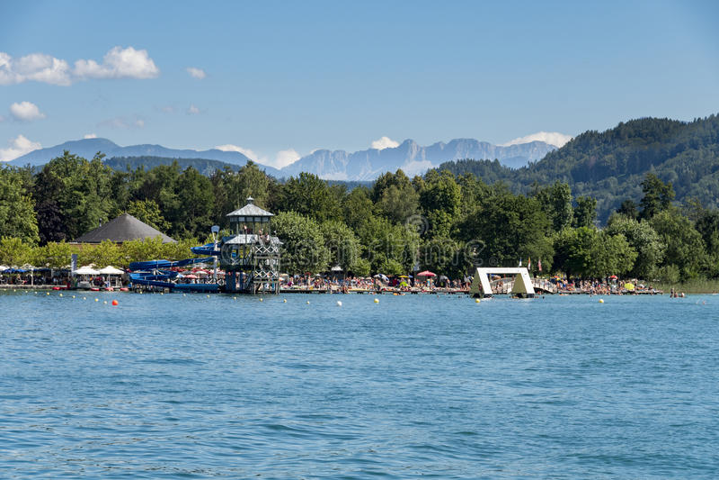Курорт Portschach am Worthersee и стоимость Worthersee озера Aus стоковые изображения rf