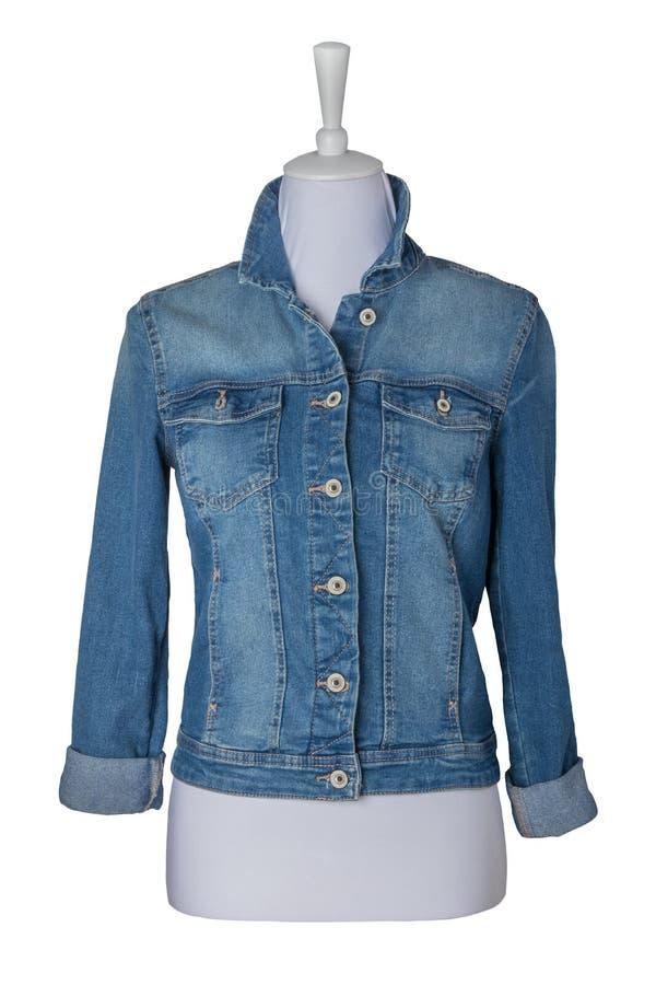 Куртки женщин Куртка голубых джинсов женщины изолированная на белом backg стоковое фото rf