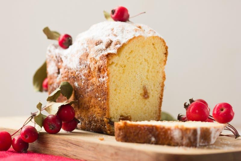 Куски хлебца торта рождества Хлеб тыквы толстый сладостный хлебец торта сделанный с тыквами Типично испеченный в сезоне падения о стоковое фото rf