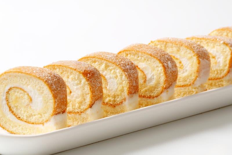 Куски cream швейцарского крена стоковые изображения rf