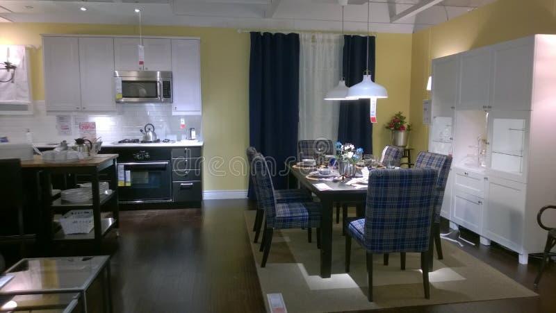Кухня и dinning дизайн комнаты стоковые фото