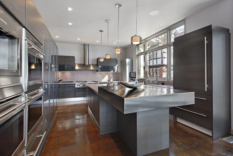 кухня самомоднейшая ультра стоковая фотография rf