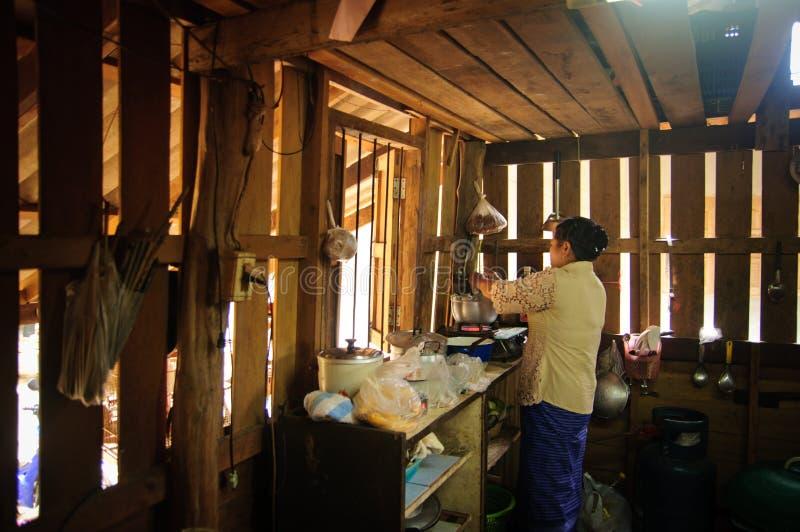 Кухня сельской местности стоковые фотографии rf
