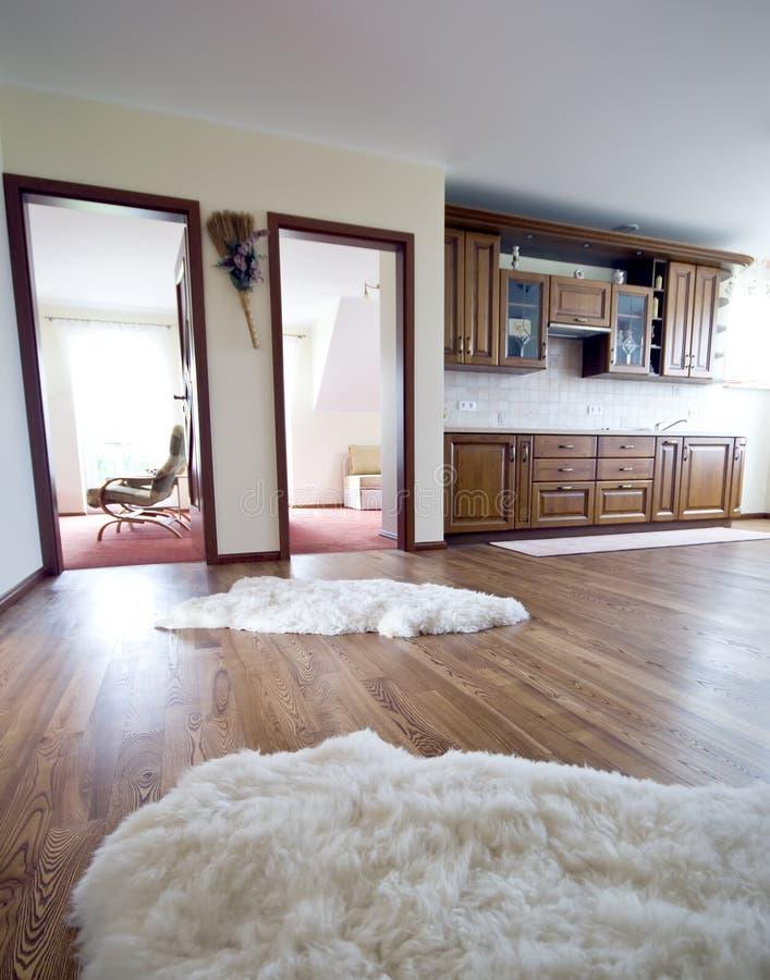 кухня твёрдой древесины пола стоковое фото rf