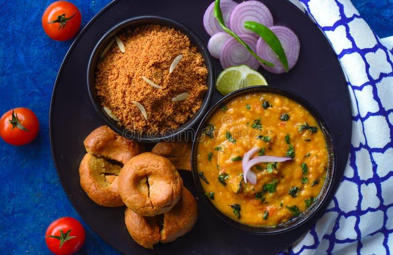 Кухня churma-Rajasthani baati Dal стоковые фотографии rf