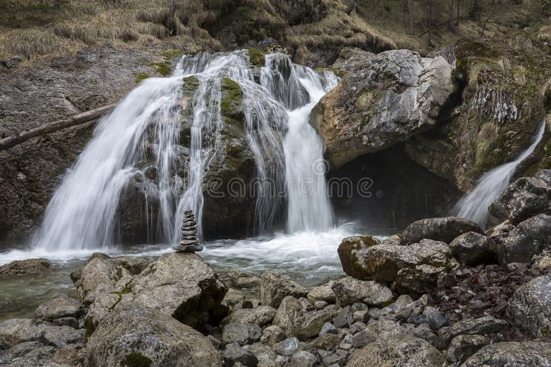 Кухфлюхтские водопады возле деревни Фаркант, Верхняя Бавария, Германия стоковое изображение rf