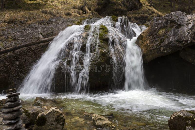 Кухфлюхтские водопады возле деревни Фаркант, Верхняя Бавария, Германия стоковое фото rf