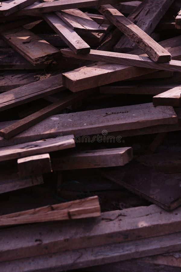 Куча деревянных планок снятых от вверх по близкой стоковое фото rf