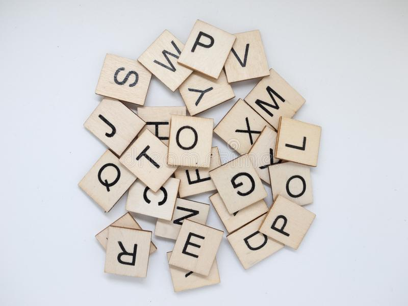 Куча деревянных плиток письма стоковые изображения