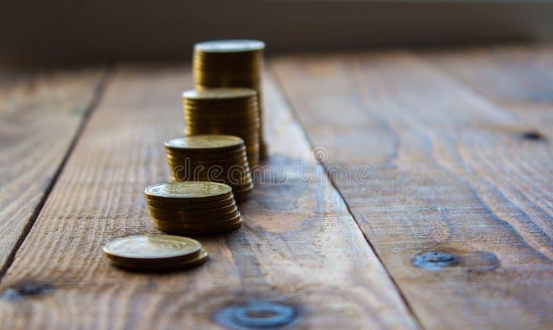 Куча золотых монеток стоковая фотография