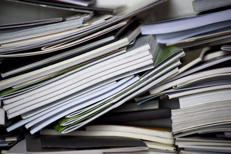 Куча крупного плана книг стоковые фото