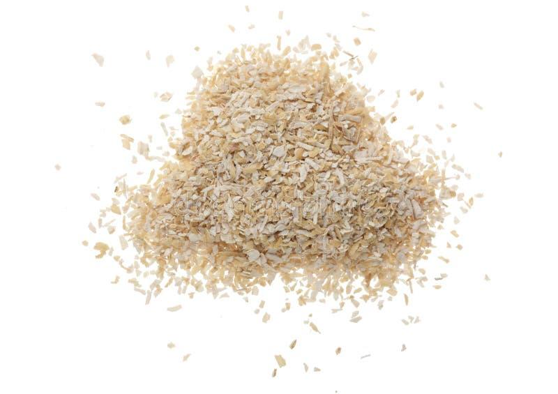 Куча отрубей пшеницы изолированная на белой предпосылке Взгляд сверху Плоское положение стоковое фото