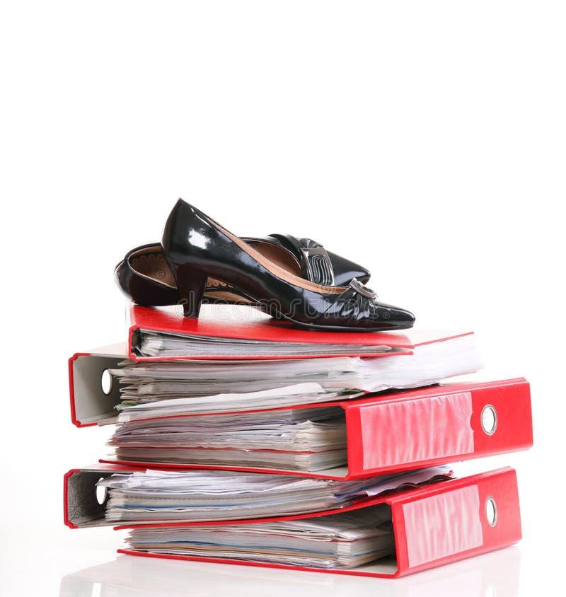 Download Куча пролома остатков связывателей кольца Стоковое Изображение - изображение насчитывающей paperwork, данные: 33734449
