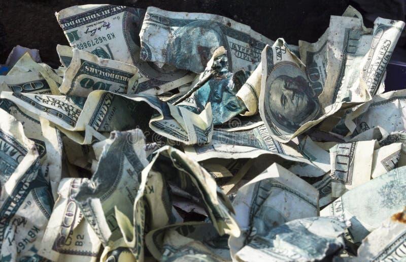 Куча скомканных долларов стоковые изображения
