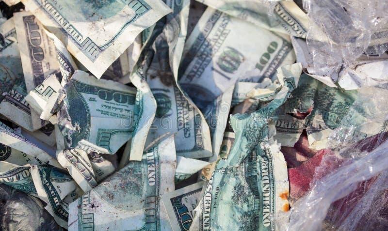 Куча скомканных долларов стоковое изображение rf