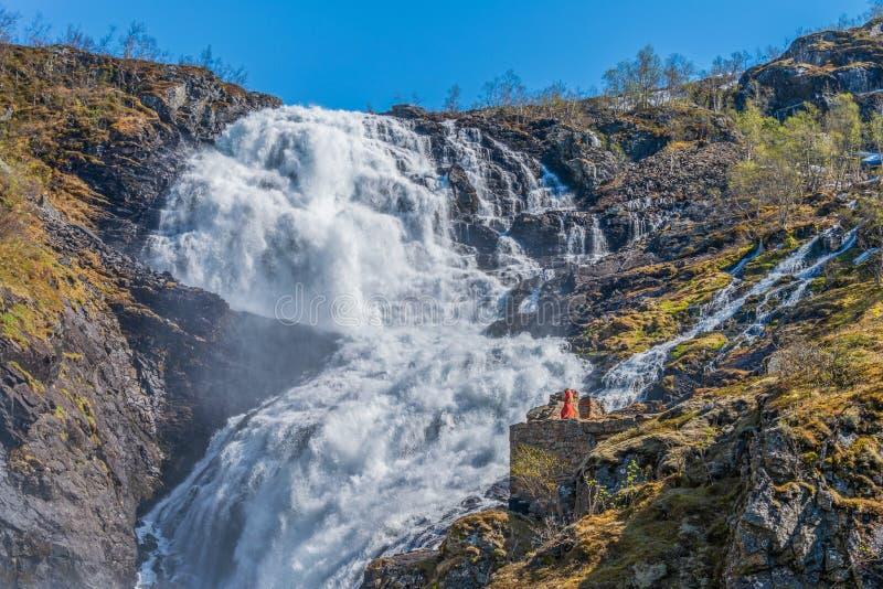 Кьосфоссенский водопад на горной железной дороге стоковое фото
