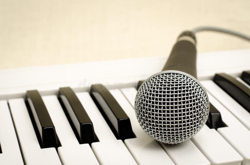 Клавиатура и mic стоковое изображение rf