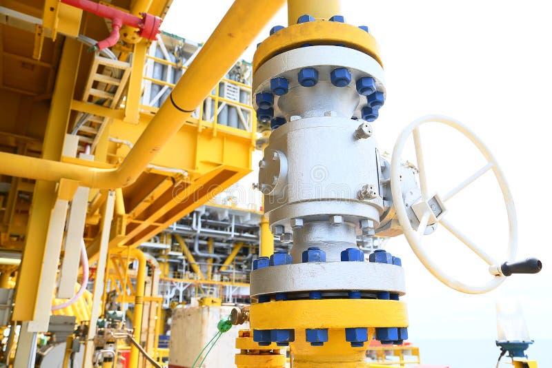 Клапаны ручные в производственном процессе Клапан используемый производственным процессом ручной для того чтобы контролировать си стоковое фото rf