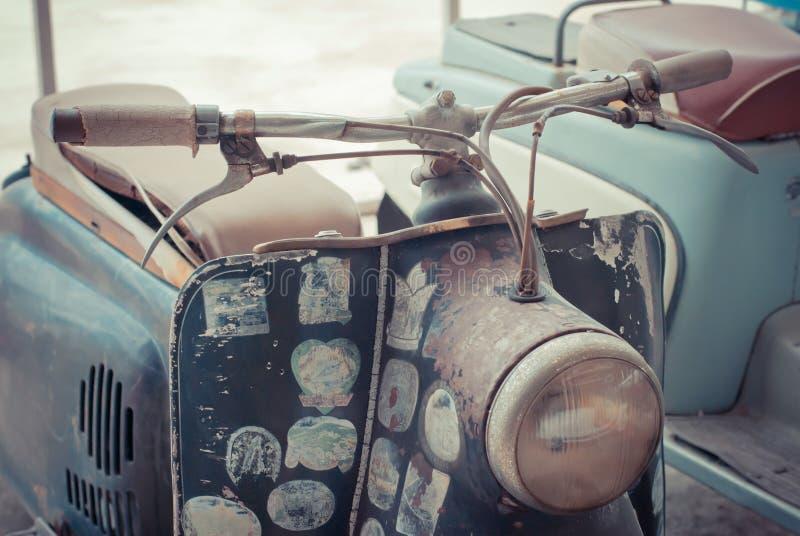 Download Классицистический мотоцикл стоковое фото. изображение насчитывающей экспозиция - 33735886