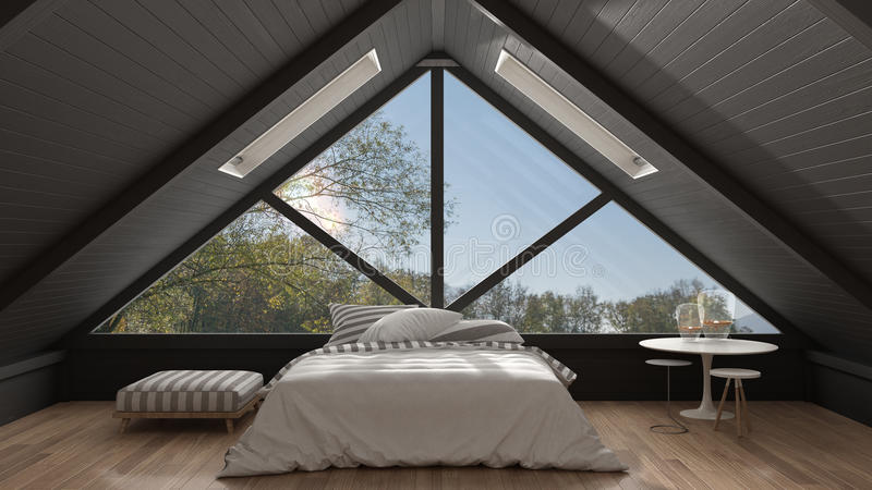 Классическая просторная квартира мезонина с большим панорамным окном, спальней, summe стоковое фото rf