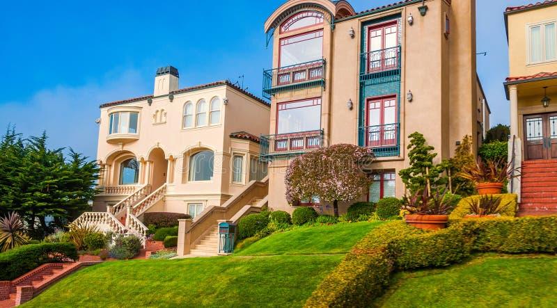 Классические викторианские дома в Сан-Франциско, Калифорнии стоковые изображения rf