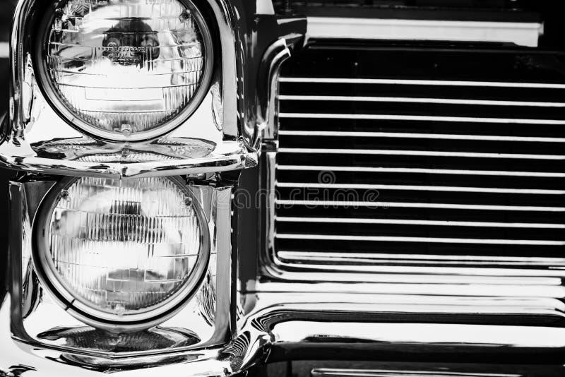 Классические фары автомобиля стоковое изображение