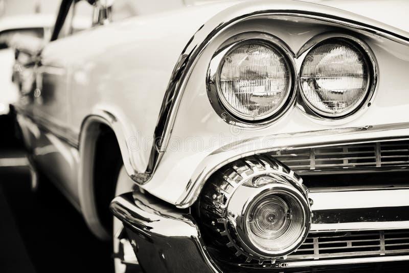 Классические фары автомобиля стоковое изображение rf