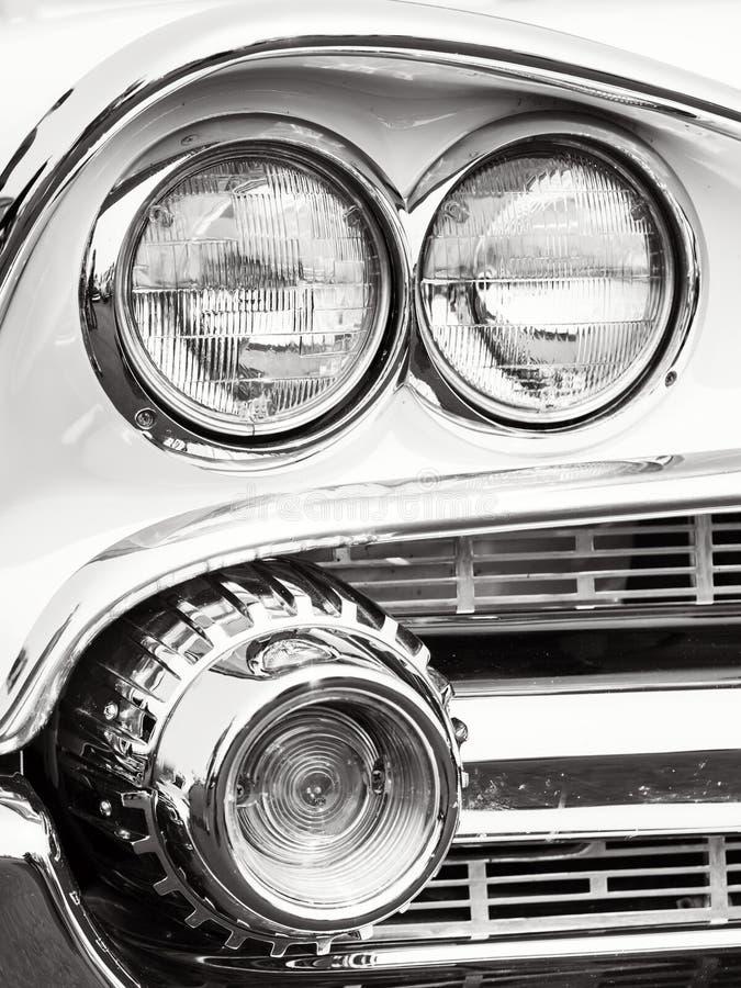 Классические фары автомобиля стоковая фотография