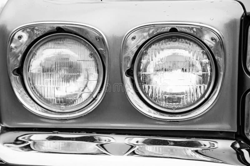 Классические фары автомобиля стоковые изображения rf